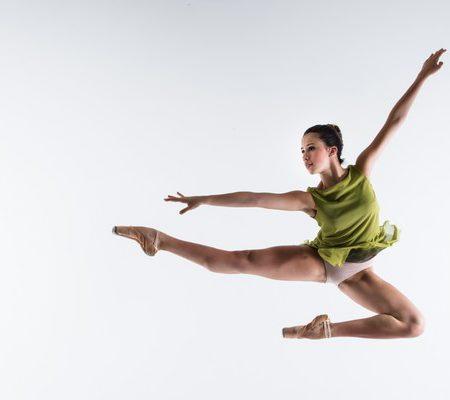 Letícia Dias é contratada para o Royal Ballet School